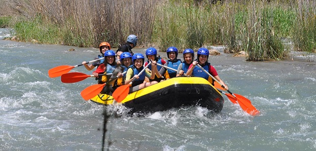 Cofrentes. Rafting