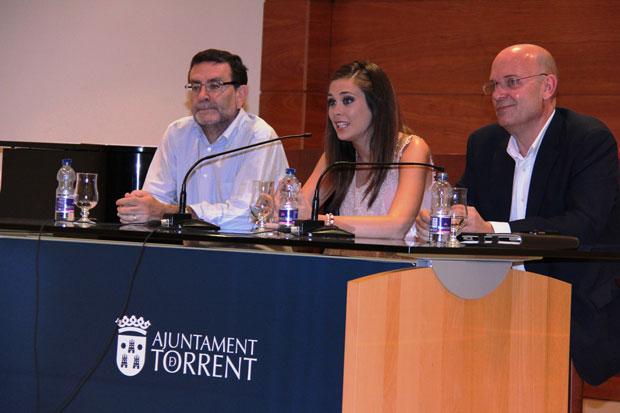 Félix Crespo y Laura Caballero,  Fallera Mayor de Valencia 2011,  durante la Master Class.