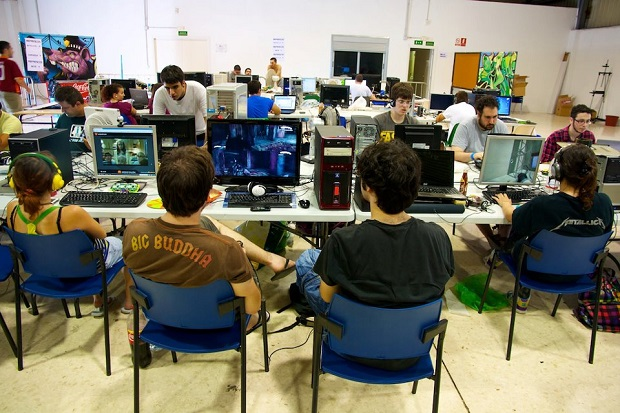 Silla. Ais Lan Party