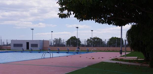 fallece un hombre de 45 a os en la piscina municipal de