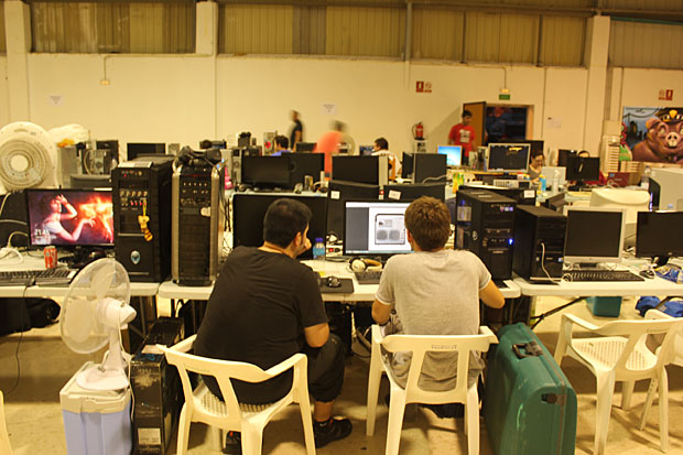 ais-lan-party-dia-01-10