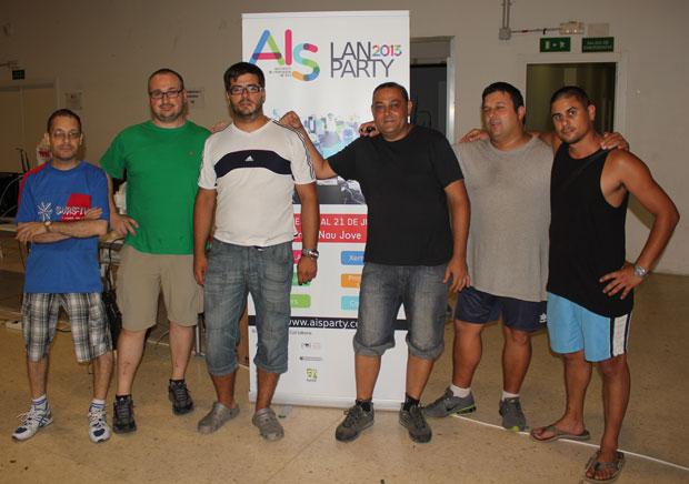 Parte del equipo organizador de la AIS Lan Party