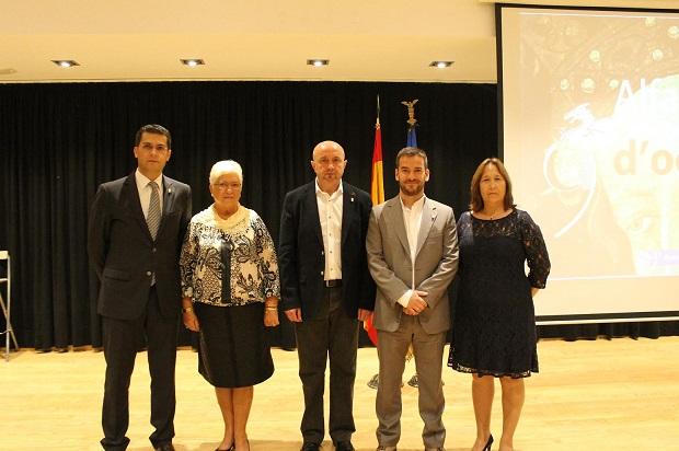 Alfafar. Teresa Criado,  Associació d'Estudis d'Alfafar y el chef José Damián Azorín. Premios 9 de Octubre 2013