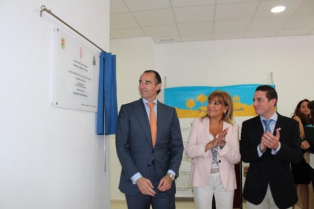 Bonrepos. Manuel Llombart,  Amparo Mora,  Fernando Traver. Nuevo centro de salud