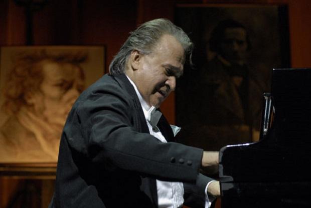 Burjassot. Frank Fernández. Piano