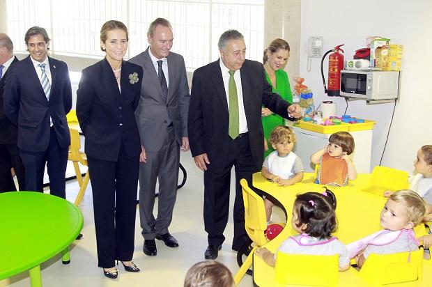 Paterna. Infanta Elena,  Fabra y Agustí. Inauguración guarderia