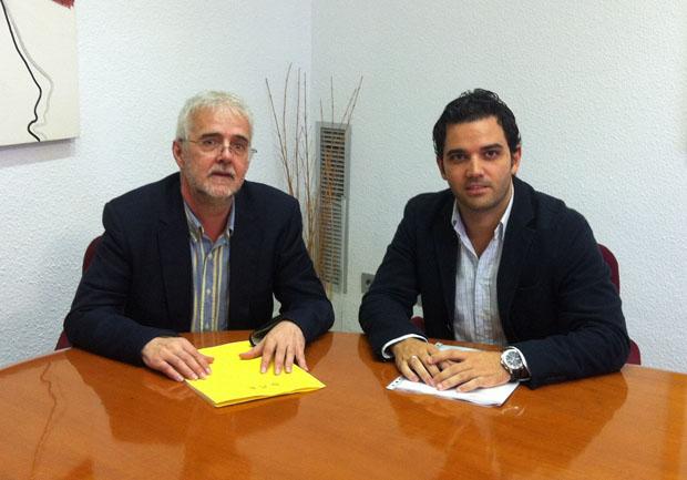 El portavoz socialista en Paterna,  Juan Antonio Sagredo,  y el diputado en Les Corts Francesc Signes.