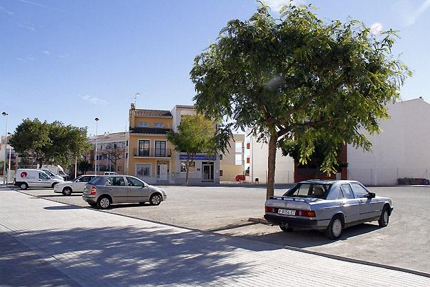Puçol. Plaza manuel Broseta. aparcamientos