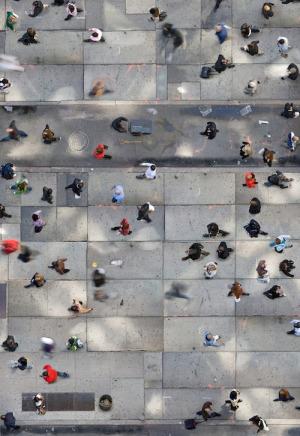 las-redes-sociales-son-sc3b3lo-una-puerta-al-mundo-donde-viven-tus-amigos