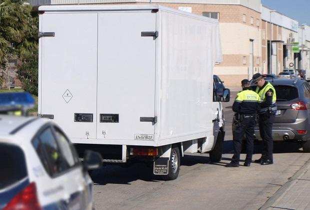 Catarroja. Policía Local. DGT. controles de camiones y furgonetas. Tráfico