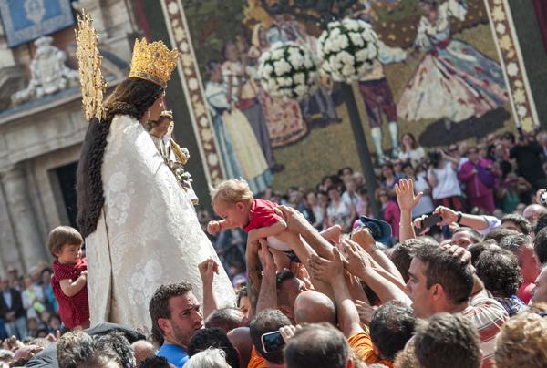 Valencia. Traslado de la Virgen