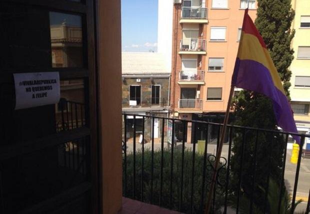 Paterna-bandera-republicana-EUPV