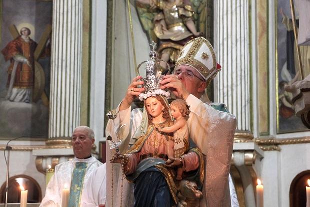 Burjassot-coronacion-virgen-roser-arzobispo-Osoro