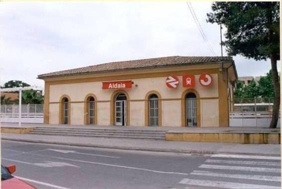 estación tren aldaia