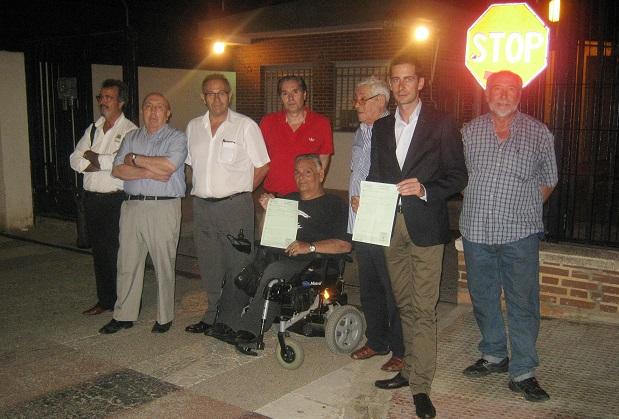 Mislata-alcalde-presidentes-vecinales-visitan-Hospital Militar