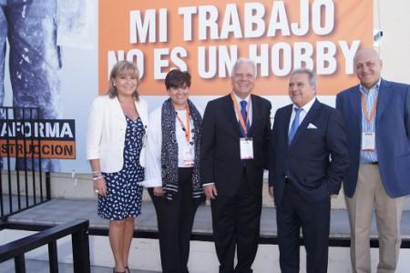 Alfonso Rus y Carmen Martínez evitan coincidir en la inauguración de una tienda en Quart de Poblet