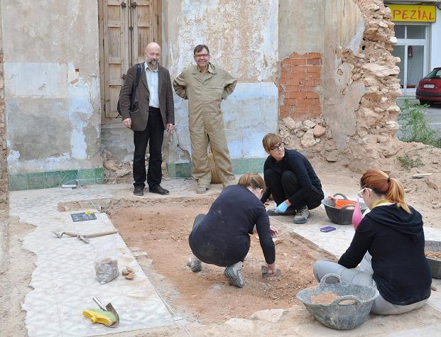 visita del doctor Koval a la excavación en Obradors de Manises