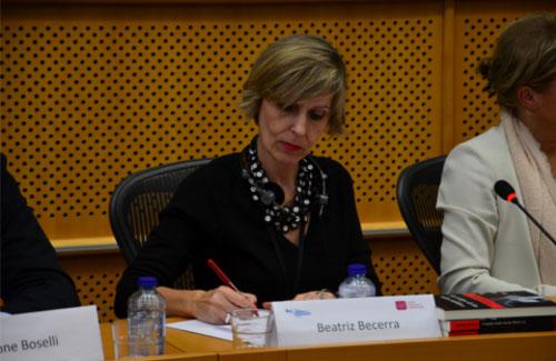 Beatriz-Becerra-mesa copia