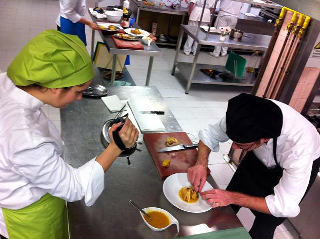 112-alumnos-preparan-cordon-bleu-1