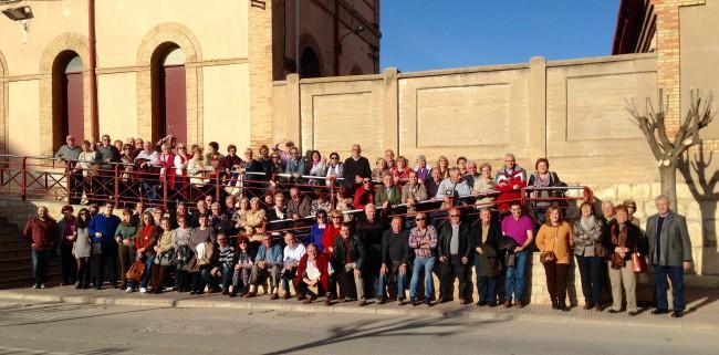 Els majors dels cursos i tallers de la Regidoria de Benestar Social visiten la bodega de Vicente Gandia