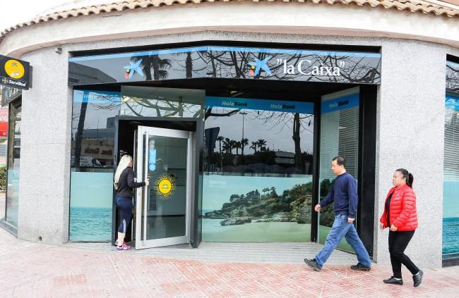Foto 2 Oficina HolaBank Torrevieja (Alicante)