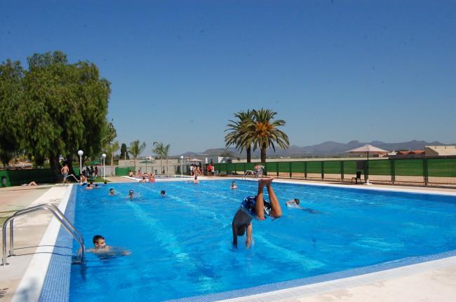 reabierta la piscina de rafelbunyol una vez legalizada