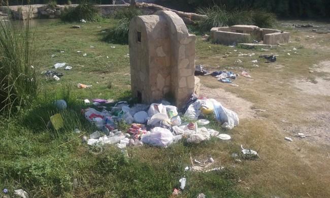 limpieza turia en Manises antes
