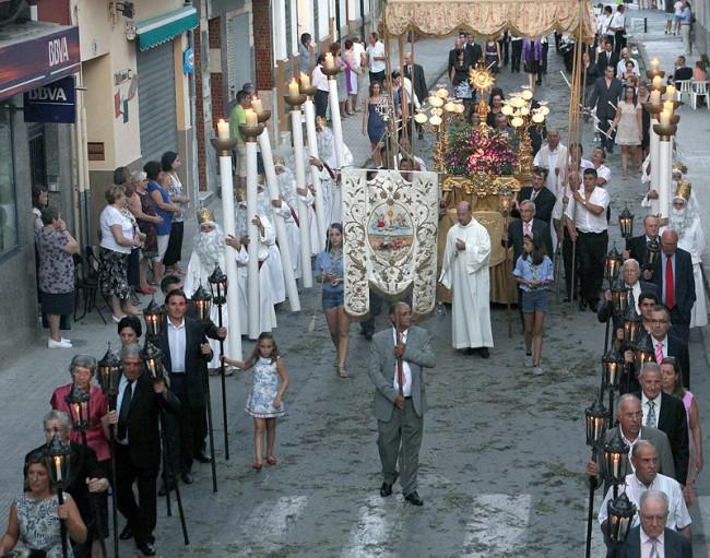 Almàssera celebra este domingo el Corpus Christi, dos meses después por dispensa papal por el ´Miracle dels Peixets`