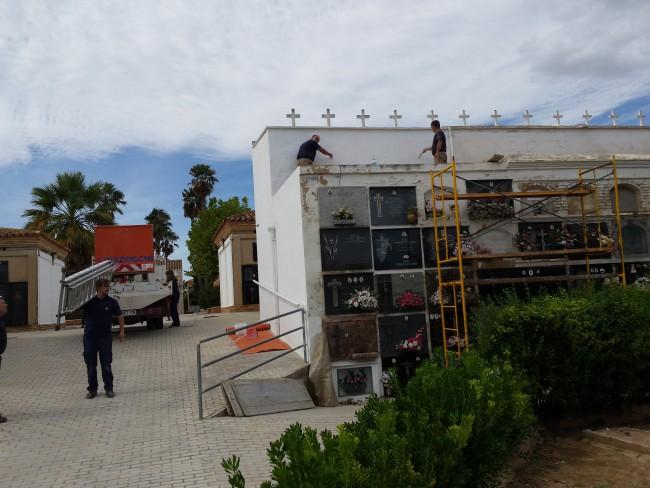 Picassent Els Serveis Municipals realitzen obres de millora al Cementeri