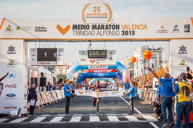 Valencia-medio-maraton-ganadora-prueba-masculina