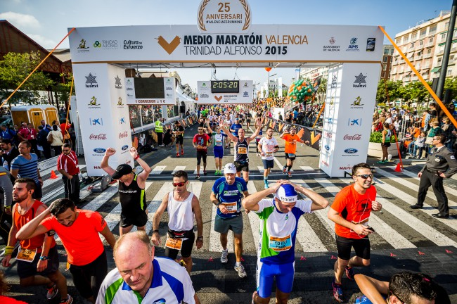 Valencia-medio-maraton-linea-meta