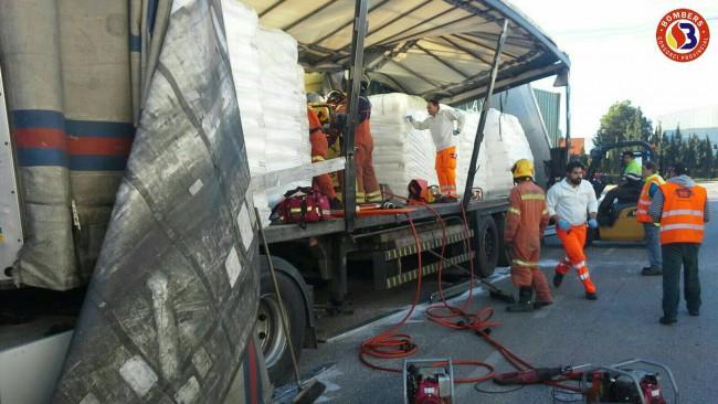 accidente camión polígono fuente del jarro paterna (2)