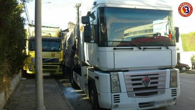 accidente camión polígono fuente del jarro paterna (3)