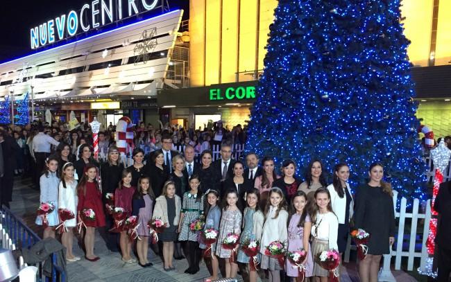 Las Falleras Mayores y sus Cortes de Honor, en la Inauguración de la iluminación navideña de Nuevo Centro.