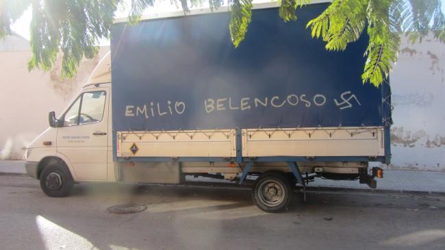 Almassera. pintada contra portavoz PP Emilio Belencoso