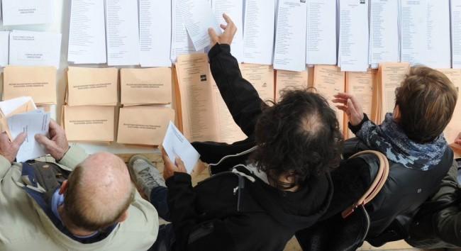 Elecciones-Generales-papeletas-gente