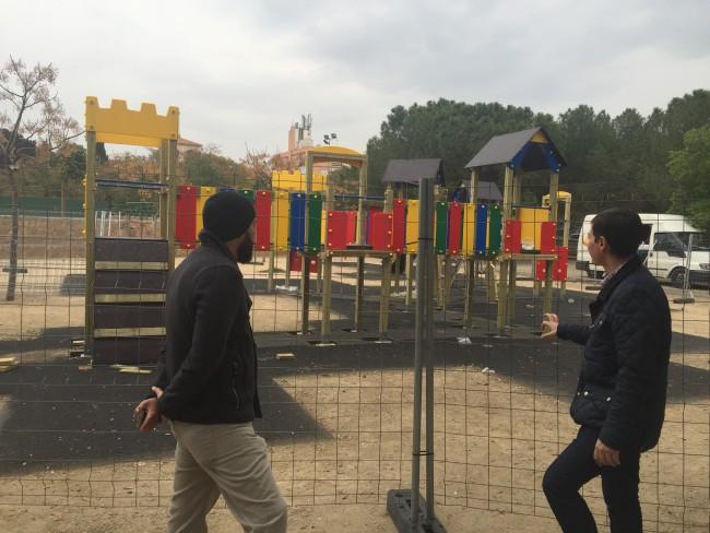 nueva zona de juegos adaptados en la granja burjassot