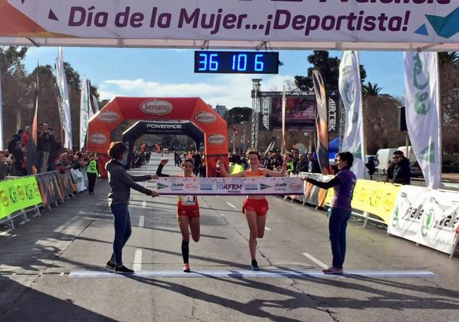 Isabel Checa se impuso en la carrera de la mujer de Valencia con 2.000 participantes