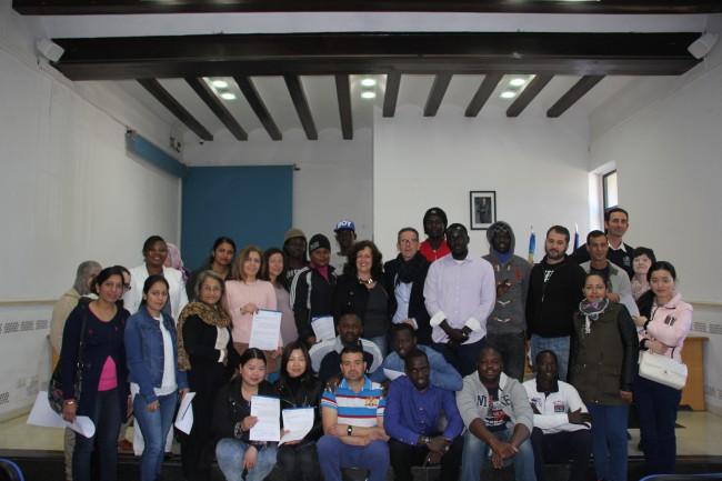 Manises ajudarà a un grup de residents senegalesos a crear una associació cultural