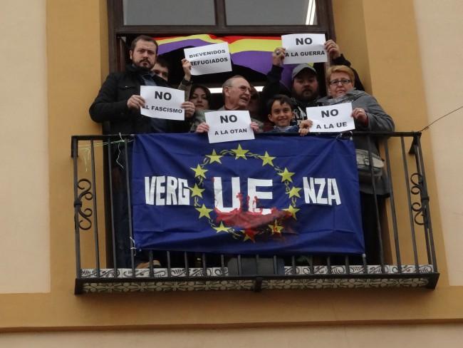 bandera ensangrentada EU refugiados