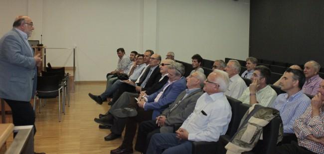 Picassent El secretari autonomic d agricultura es reuneix amb els representants del sector agrari local