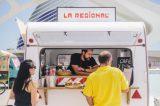 Comida gourmet en el Foodies Merkat del Festival de Les Arts