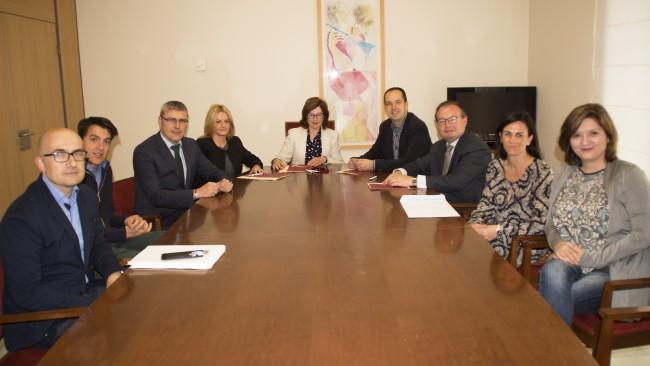 signatura conveni premis universitaris alaquàs-aldaia