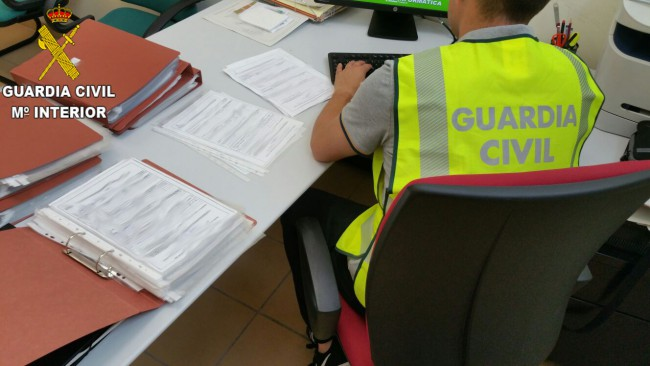 Guardia Civil. documentos Data naranjas