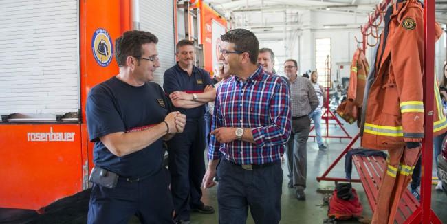 Jorge Rodríguez visita instalaciones parque de bomberos de Torrent