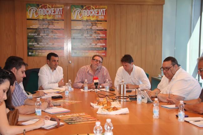 Torrent. Ros,  Campos y Costa. Desayuno informativo. Rockejat