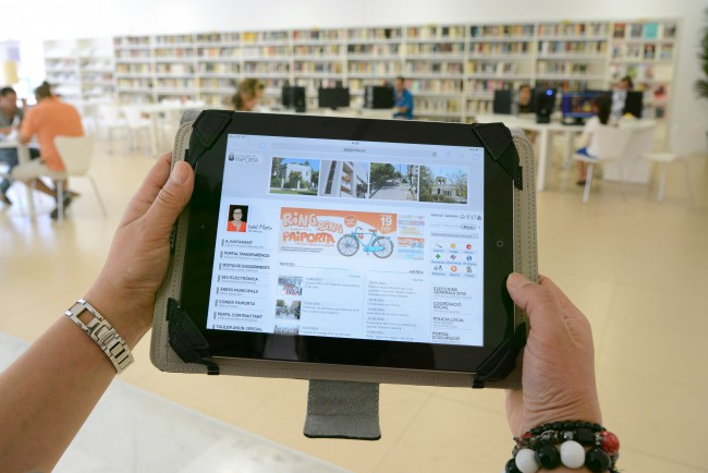 paiporta. Biblioteca municipal. tablet