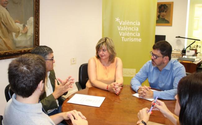 Moncho y Altur con representantes de Burjassot