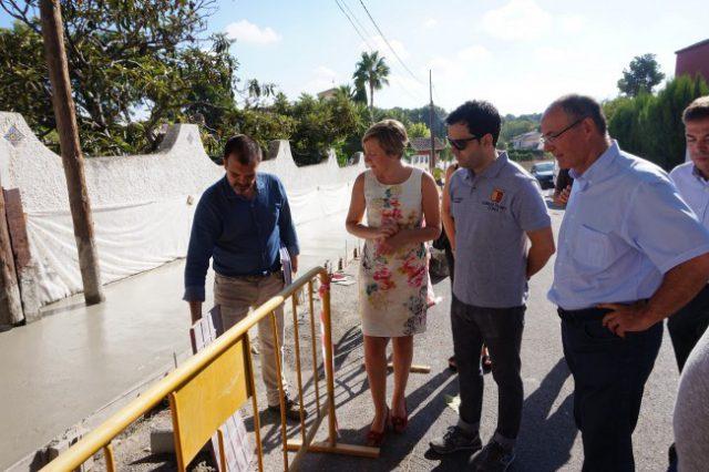 Visita consellera obras aceras La Canyada