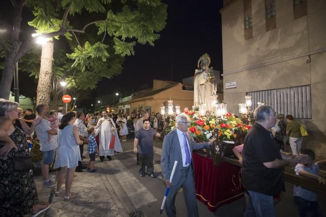 Decenas de embarazadas participan en Xirivella este domingo en la procesión en honor a su patrón y protector, San Ramón Nonato